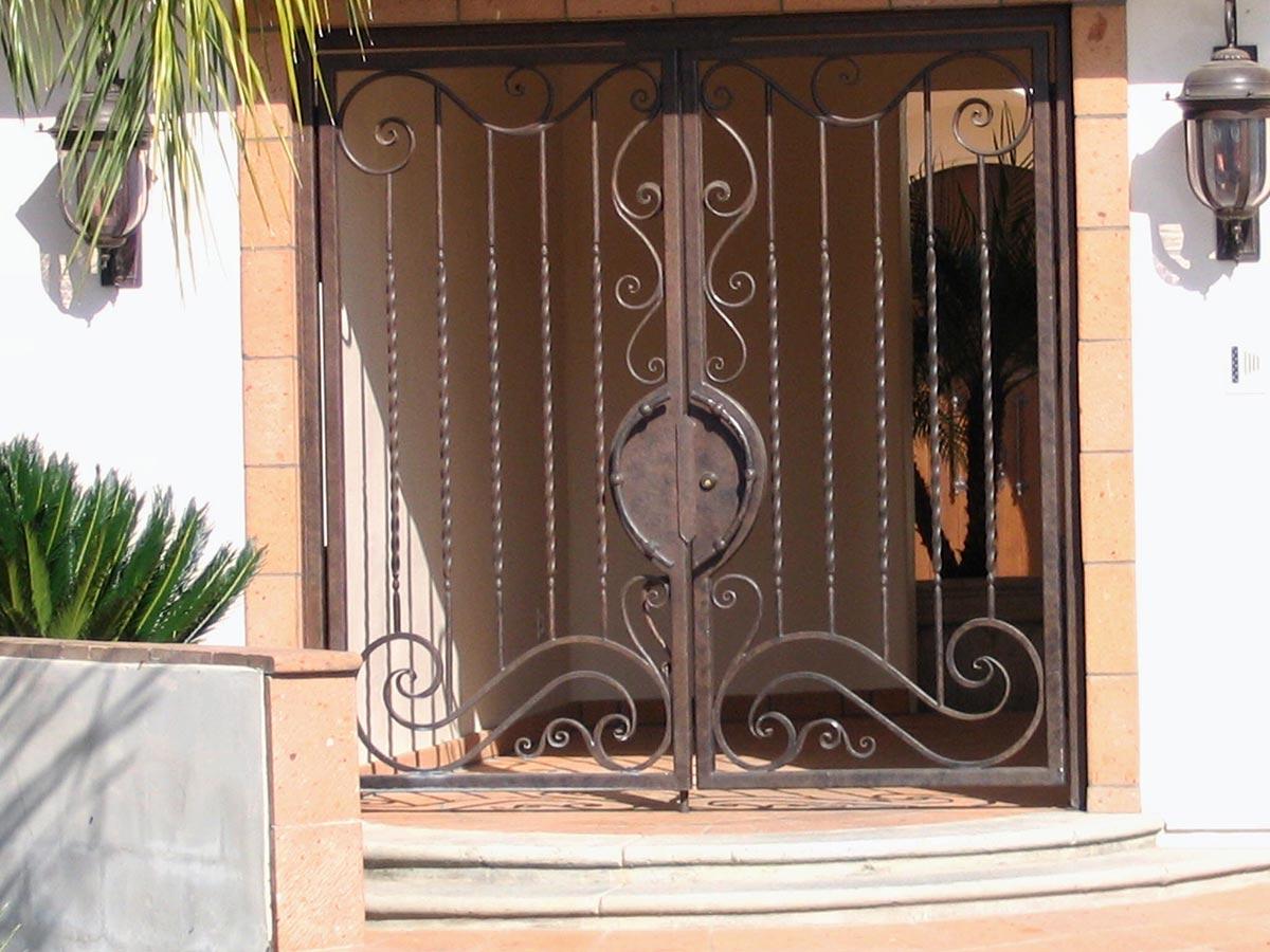 Front Door Entry. 01 01. 02