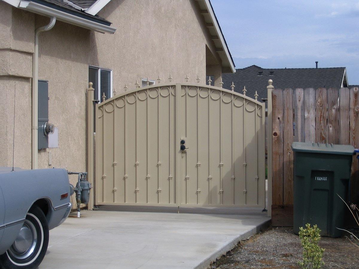03 & Side Yard Gates - Fresno Fence Connection