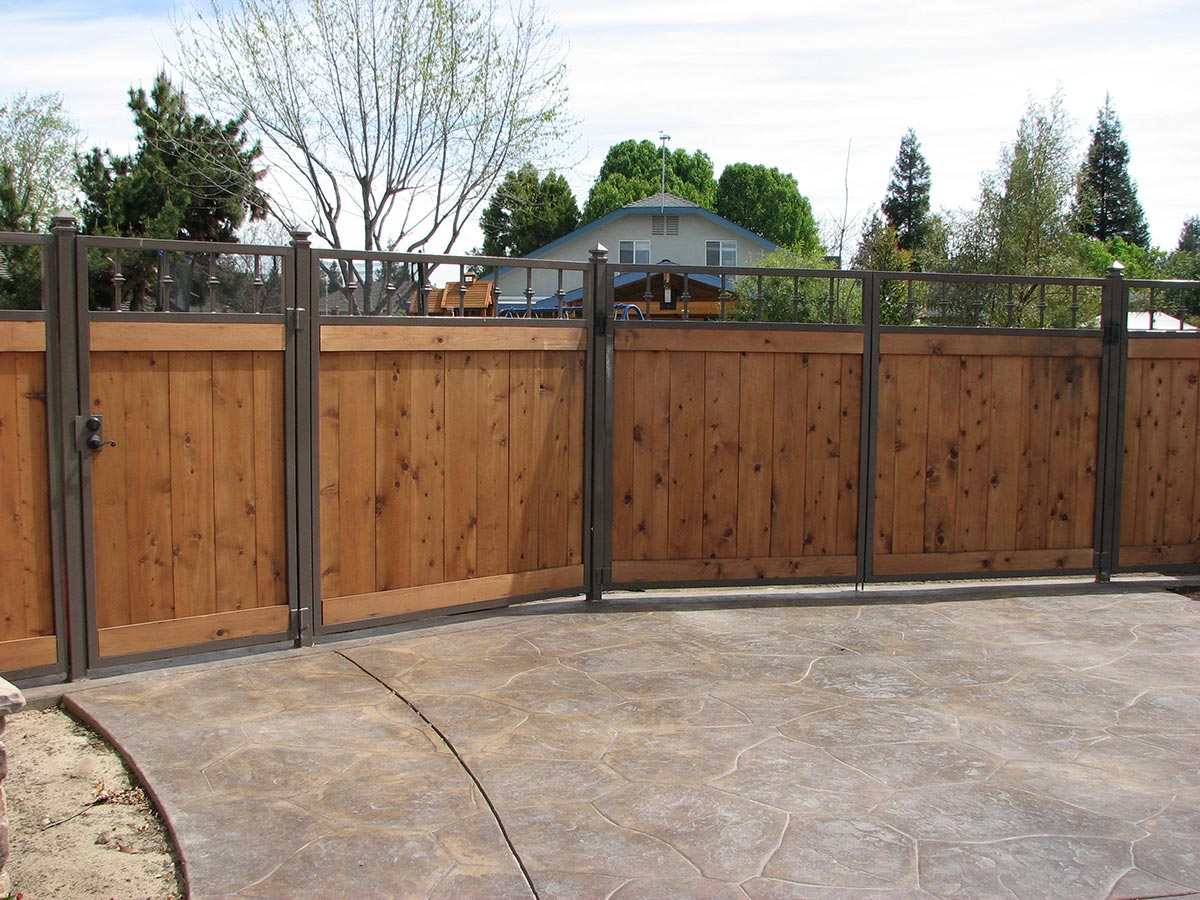 Side Yard Gates - Fresno Fence Connection