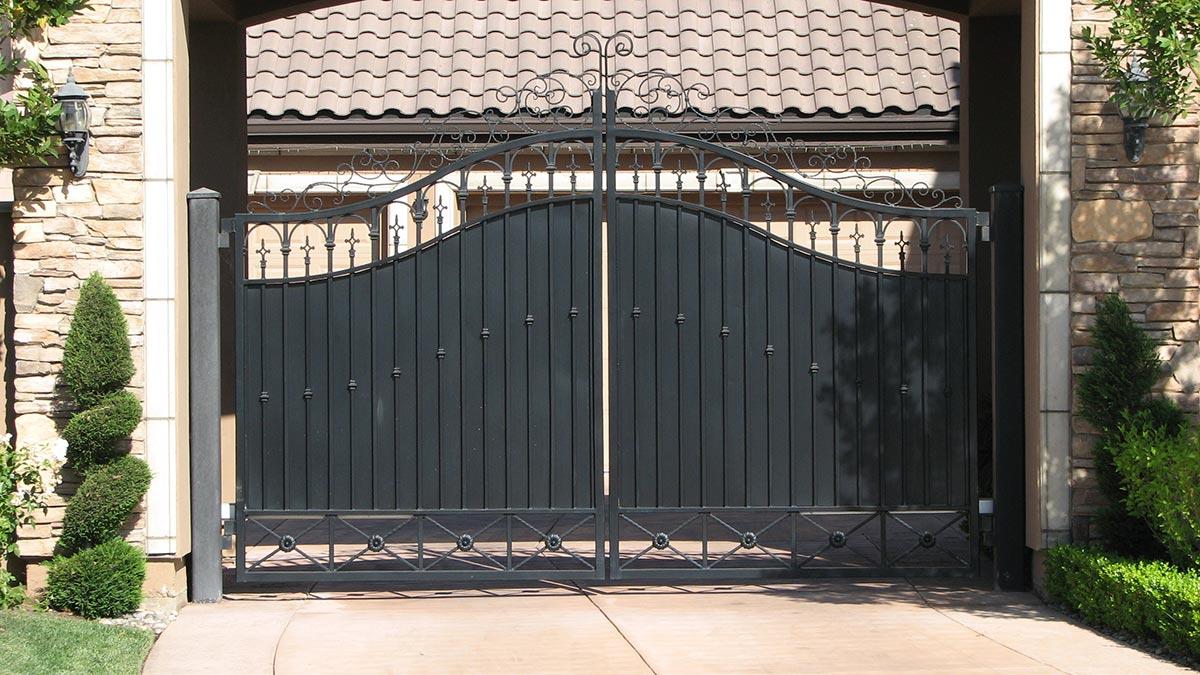 24 & Side Yard Gates - Fresno Fence Connection